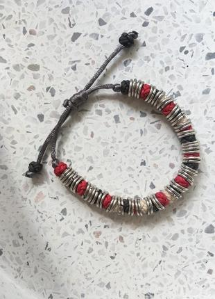 Стильный браслет в серебристо красных оттенках