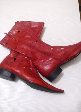 Летние сапожки красного цвета