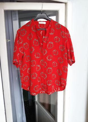 Яркая шелковая блуза в цветочный принт sandro 100% шелк