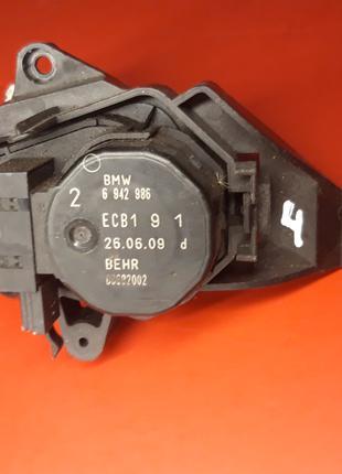 Моторчик печки отопителя BMW E60 E61 E63 E64 6942986 клапан
