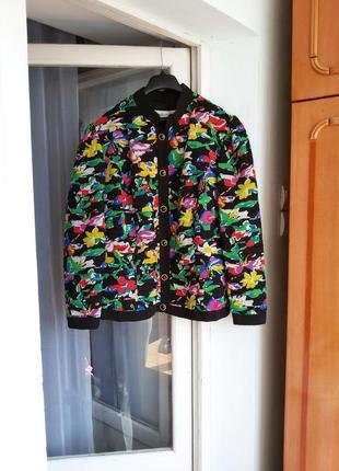 Яркая дизайнерская  легкая  куртка janina schreck