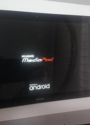 Планшет Huawei MediaPad T3 LTE висит на заставке