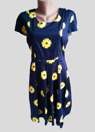Шикарное хлопковое платье цвета navy в цветочный принт с пышно...