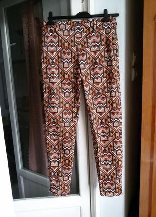 Стильные брюки в принт h&m