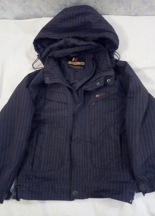 Утепленная куртка на осень мальчику
