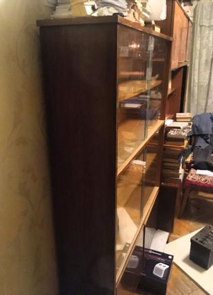 Книжный шкаф времён СССР