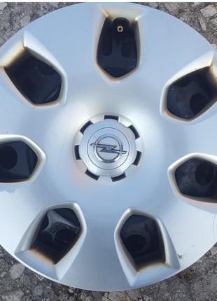 Стальные диски с оригинальными колпаками Opel  Astra – J R16