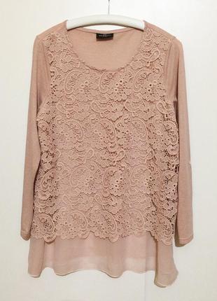 Бежевая нарядная блузка блуза с кружевом пог 56 см прямой фасон