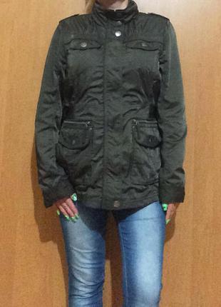 Зеленая ветровка удлиненная куртка пог 53 см курточка капюшон