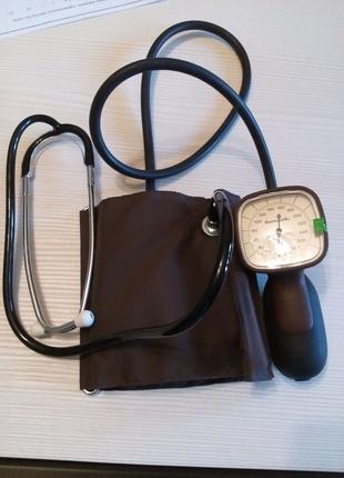 Аппарат для измерения кровяного давления.