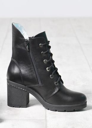 Кожаные зимние женские черные ботинки ботильоны на каблуке нат...