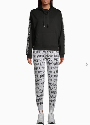 Джоггеры, штаны спортивные Calvin Klein
