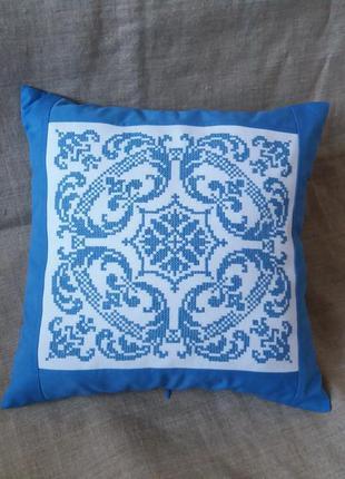 Декоративная наволочка,подушка. ручная вышивка болгарским крес...