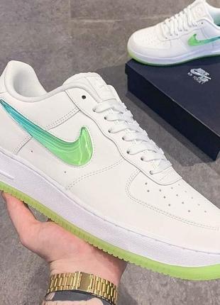 Женские кроссовки найк nike air force white green