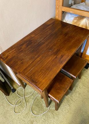 Дубовый стол и 4 табурета