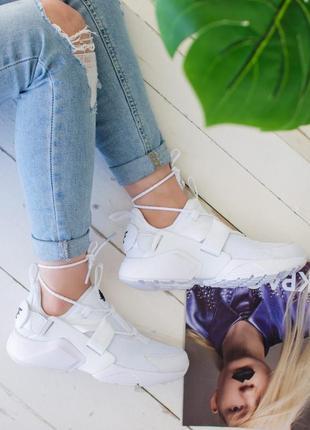 Белые женские летние кроссовки найк nike.