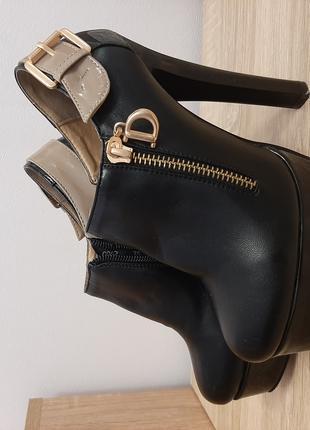 Ботиночки осенние ботфорды на высоком каблуке