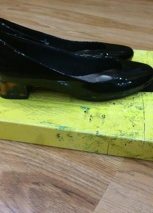 Mark & spence красивые туфли на низиньком каблучке в леопардов...