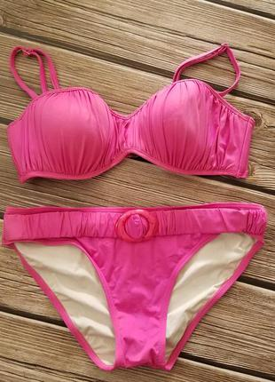 Яркий розовый купальник, раздельный купальник, яркий купальник