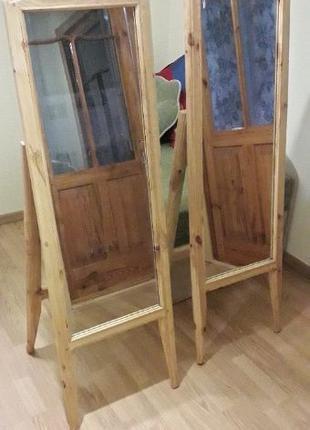 Зеркала в рамках из натурального дерева, Цена за два.