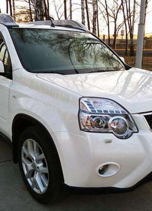 239 Внедорожник Nissan X-Trail белый