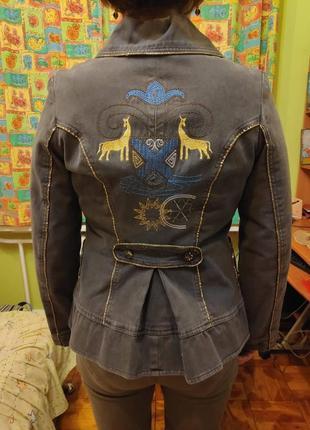 Стильная куртка пиджак демисезон delmaro