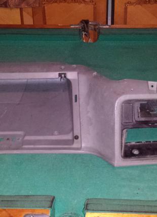 частина торпедо ford sierra накладка пластик нижній