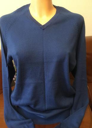 Красивый свитер джемпер из 100% шерсти