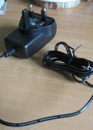 зарядный блок для аккумуляторов шуруповёртов или дрелей 18 вольт