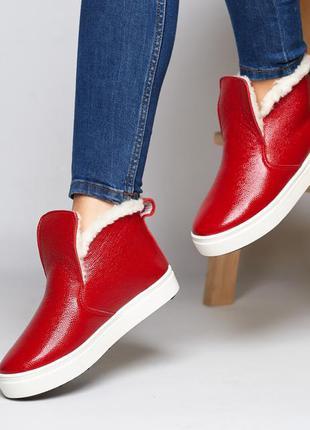 Женские кожаные ботинки на меху