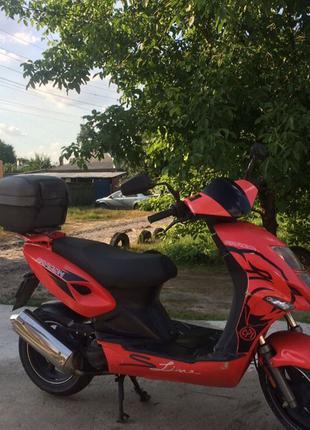Продам скутер 2-х местный
