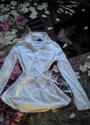 Белая длинная рубашка