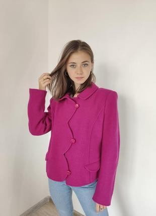 Armani collezioni шерстяное короткое пальто цвета фуксии