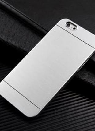 Пластиковый чехол Motomo Metal Silver Серебро для iPhone 5/5s