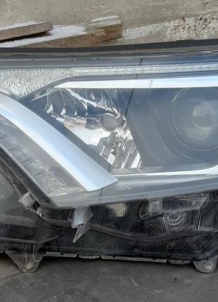 Toyota Rav4 Фары 81170-42650  81130-42650