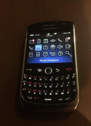 Телефон blackberry 8900