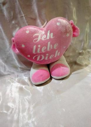 Мягкая игрушка сердце на ножках