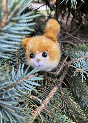 Игрушка валяная из шерсти сувенир подарок интерьерная кот Бублик