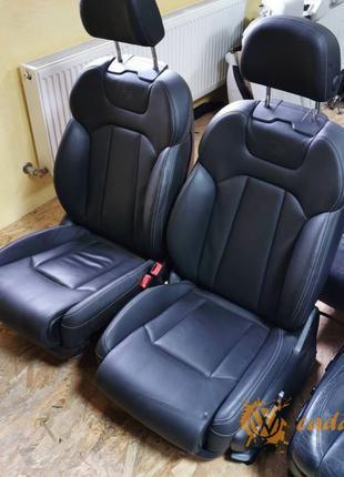 Audi Q7 - передние сиденья