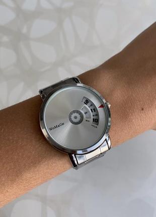 Женские металлические наручные часы womage серебристые