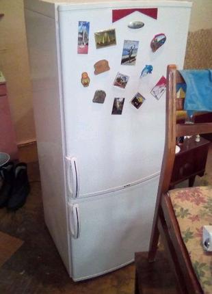 Продам холодильник whirlpool ARC5511,состояние 4+ цена 3000 грн!
