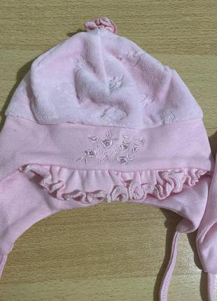 Шапочки для новорожденной девочки. 2 штуки