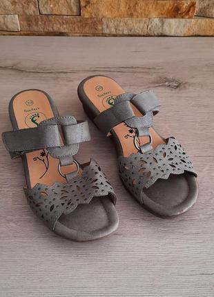 Шлепанцы от foot flexx размер 38