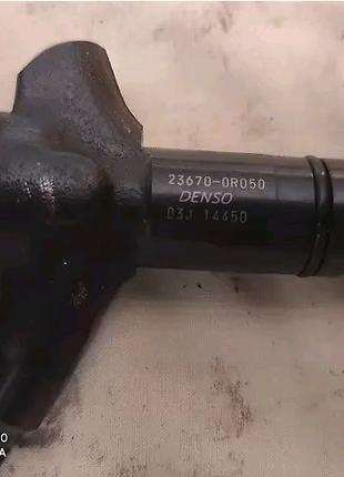 236700R050   Форсунка топливная Toyota Auris