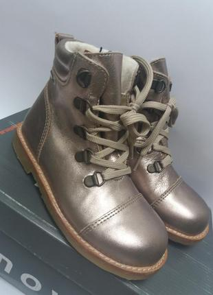 Move  дания зимние ботинки. размер  27.