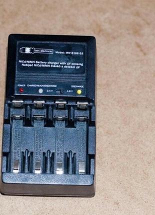 Зарядний пристрій для батарейок,блок живлення  для Ni-Cd / NI-MH