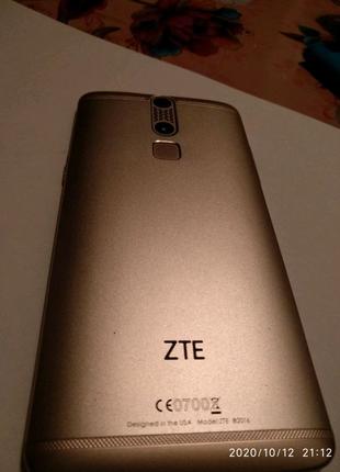 Продам ZTE Axon Mini 2016