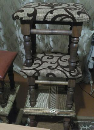 Дитячі стільці табурети