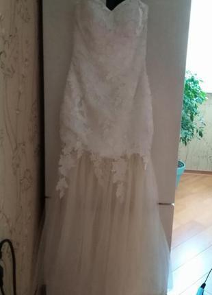 Свадебное вечернее выпускное платье - бюстье цвета шампанского...
