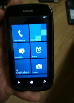 Телефон Nokia 610